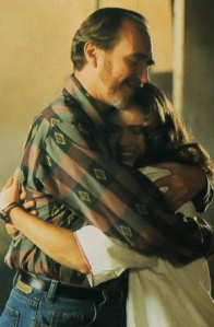 Heather Langenkamp shows Wes Craven some love. Or she's thankful for the work after Just the Ten of Us.