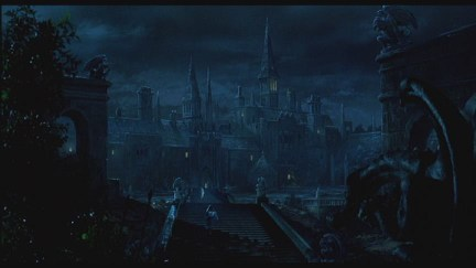I'm a sucker for this shot, and those like it, in this movie. This is gothic.
