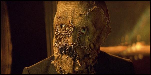 Superfluous spooky Scarecrow shot.